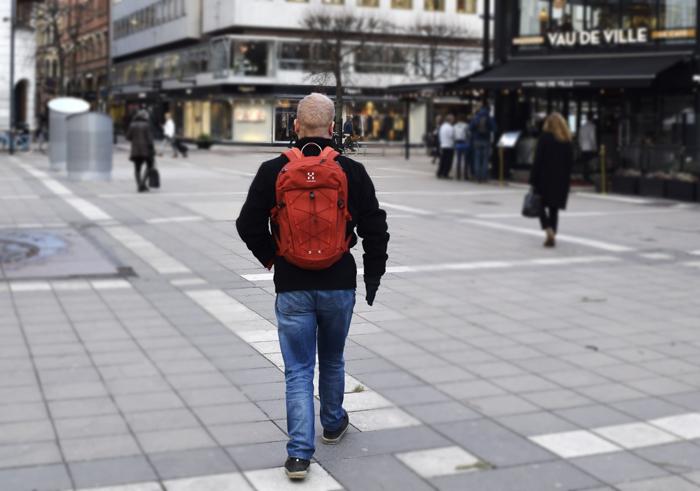 Ihmiskokeen tulos: Hyvin istuva ergonomisesti muotoiltu reppu on käytössä lähes huomaamaton.