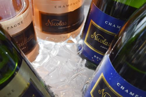Nicolas Feuillatte loi nimeään kantavan samppanjamerkin vuonna 1976 perittyään viinitilan Reimsin kaupungin lähistöltä. Neljässä vuosikymmenessä Nicolas Feuillattesta on kasvanut maailman kolmanneksi suurin samppanjantuottaja edellään ainoastaan Moët & Chandon ja Veuve Clicquot.